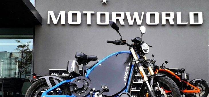 Kult-Fahrzeuge auf zwei und vier Rädern: eROCKIT zu Gast im V8 Hotel – Motorworld Region Stuttgart