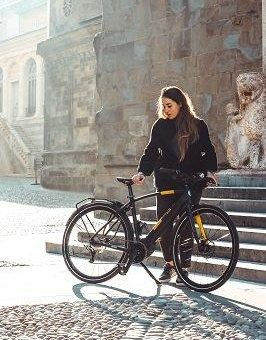 Reifenwechsel auch für Fahrräder und E-Bikes: Die Winterreifen von Pirelli garantieren bessere Bodenhaftung auf kaltem, feuchtem Asphalt
