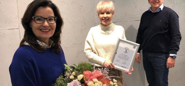 Hair Company als einziges Friseur-Unternehmen bundesweit INQA re-zertifiziert