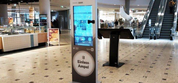 Digitaler Kundeneinlass mit automatischer Maskenerkennung – Pilotprojekt in großem Einkaufszentrum