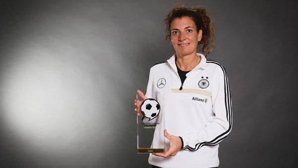 Deutscher Fussball Botschafter 2020: Anja Zivkovic gewinnt Hauptkategorie und folgt auf Jürgen Klopp