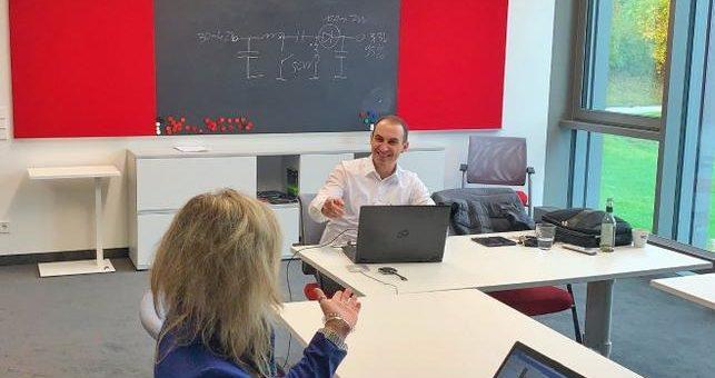 Exklusive Technologieseminare für Entwickler in studentischen Rennteams