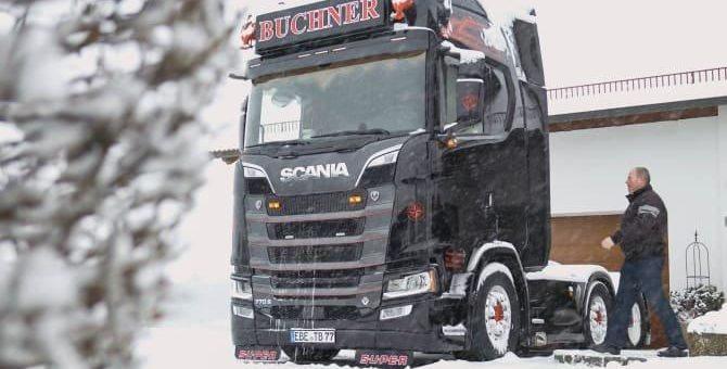 """Transportunternehmen Buchner setzt auf neuen Scania 770 S: """"Pure Faszination am Fahren"""""""