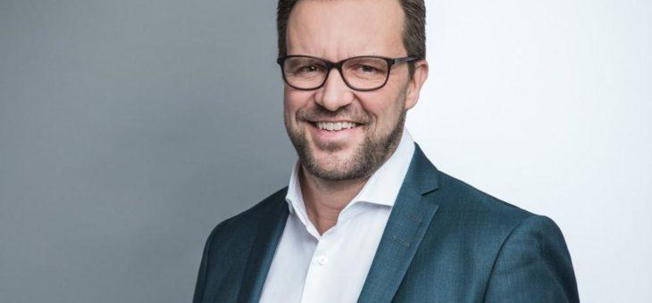 High Five – HÖVELER HOLZMANN ernennt Dr. Volker Hillebrand zum fünften Partner
