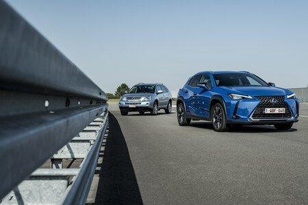 Pionier trifft auf Crossover-Erfolgsmodell: Duell feiert Lexus Hybrid Historie