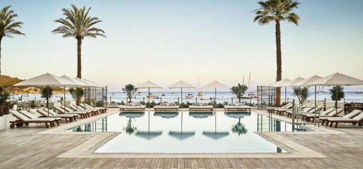 Das Balearische Lebensgefühl erleben im Nobu Hotel Ibiza Bay und Gecko Hotel & Beach Club
