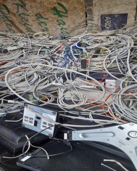 Der Schrotthandel in Bochum holt Elektroschrott und Mischschrott ab und kauft größere Mengen sogar an – Schrott abholen lassen leicht gemacht