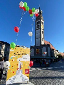 Bunte Luftballons für Augsburger Schulen zum Michaeli-Tag