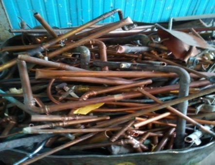 Der Schrotthändler für Castrop-Rauxel  ist unermüdlich in den Straßen der Stadt unterwegs